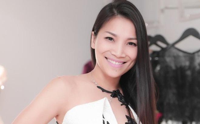 Ca sĩ Hồng Ngọc khiến cả dàn sao Việt lo lắng vì bị bỏng do nổ nồi xông hơi, phải hủy show diễn ngay phút chót