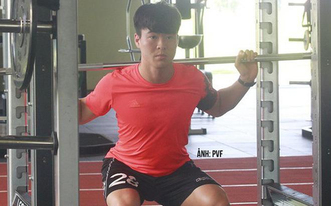 Duy Mạnh lần đầu xuất hiện sau tin đồn lục đục với Quỳnh Anh, thể hiện rõ quyết tâm tập luyện để trở lại