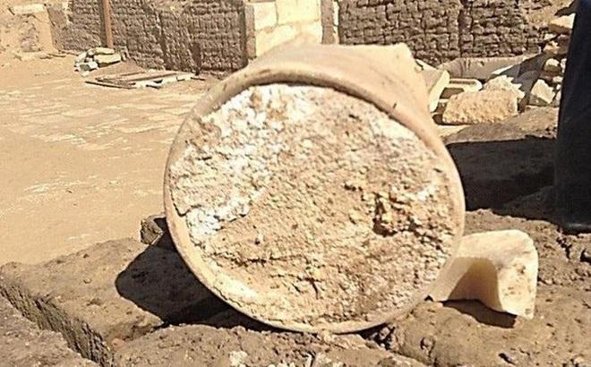 Thưởng thức cục bơ 3.300 tuổi nằm trong lăng mộ vua Ai Cập