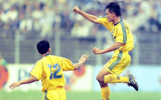 """Cựu tuyển thủ Việt Nam chấn thương cực nặng tưởng mất nghiệp vì không được phẫu thuật, 3 năm sau lại """"chạy như máy"""""""