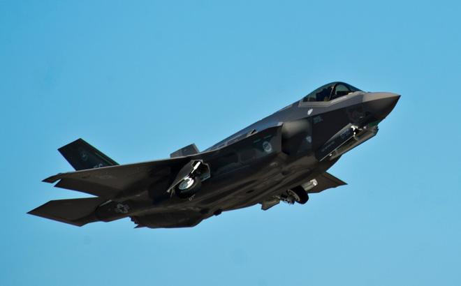 Hy hữu: F-35, F-22 Mỹ cùng rơi ở một khu vực, chỉ cách nhau vài ngày