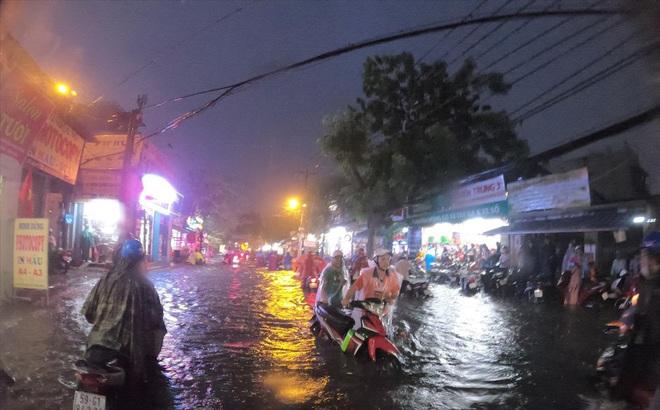 Chi gần 500 tỷ đồng chống ngập đường Nguyễn Hữu Cảnh: Tiếp tục sai lầm?
