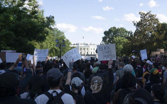 Căn cứ, quy trình để Tổng thống Trump lệnh triển khai quân đội dẹp biểu tình