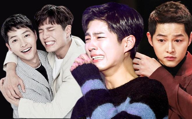 """Ẩn tình nào phía sau mối quan hệ """"nguội lạnh tàn tro"""" của Song Joong Ki và Park Bo Gum: Xem nhau như ruột thịt nhưng quay lưng đã trở thành người dưng?"""