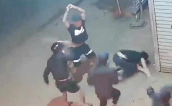 Kinh hoàng 3 người bị chém thương vong tại quán ăn ở Bình Dương