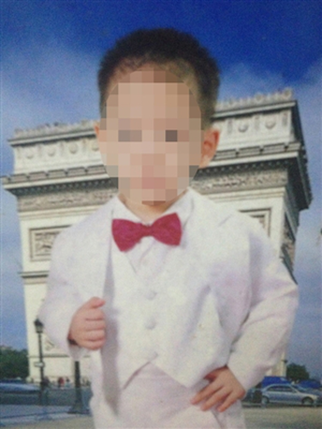 """Đình chỉ GV bị tố đánh """"chấn động não"""" bé 3 tuổi"""