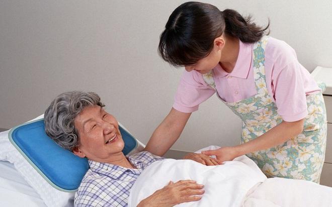 Chăm sóc người già là cả một nghệ thuật