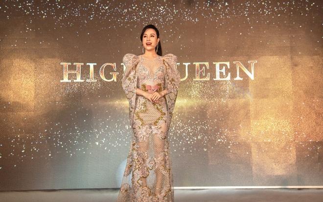 """Hóa thân thành High Queen lộng lẫy, nữ chủ tịch Nguyễn Thị Ánh tỏa sáng trong đêm Gala vinh danh """"LA MUSE"""" Hathor Group"""