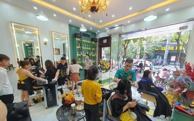 Hành trình 10 năm xây dựng 3 salon lớn tại Bắc Ninh của nhà tạo mẫu tóc Đào Chuyền