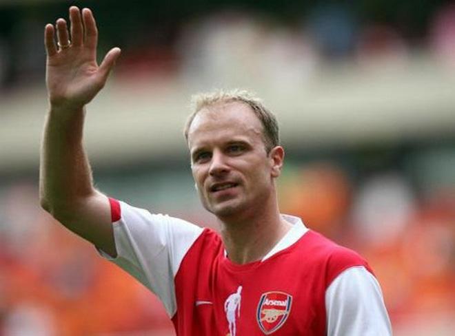 Arsenal tính đưa Dennis Bergkamp trở lại Emirates