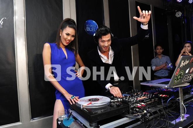 Người mẫu Hà Việt Dũng làm DJ và Bartender