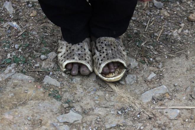 Những hình ảnh buốt lòng về học sinh nghèo miền núi