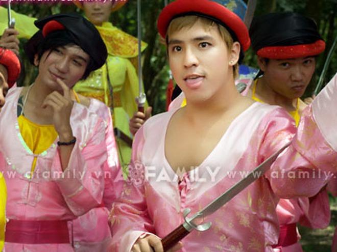 Tăng Nhật Tuệ đóng vai đồng tính