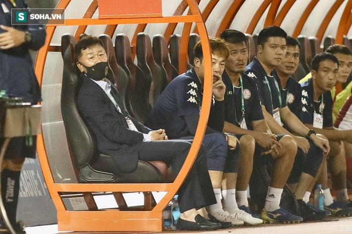 Tận cùng nỗi đau của Hữu Thắng, rốt cuộc tầm nhìn của thầy Park vẫn ăn đứt ngài chủ tịch - Ảnh 1.