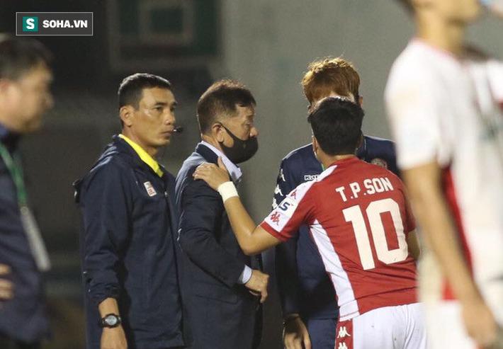 Tận cùng nỗi đau của Hữu Thắng, rốt cuộc tầm nhìn của thầy Park vẫn ăn đứt ngài chủ tịch - Ảnh 2.