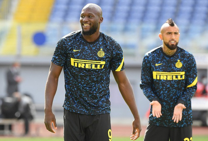 Trước trận derby thành Milan: Lukaku sẽ đánh bại sư phụ Ibrahimovic? - Ảnh 2.