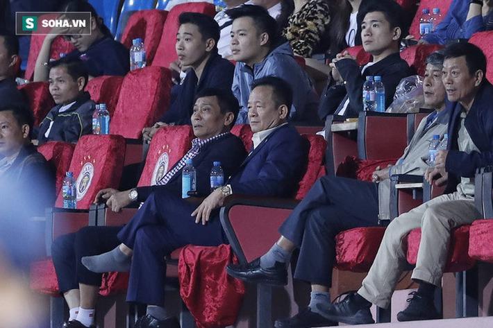 """HLV Hà Nội và Hà Tĩnh lên tiếng về bàn thắng nhạy cảm cùng nghi vấn """"nhường nhịn"""" nhau - Ảnh 1."""