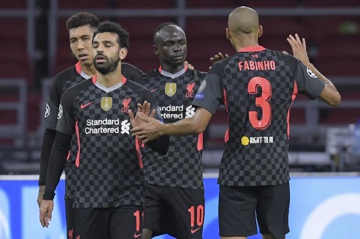 Không Van Dijk, Liverpool thắng vất vả Ajax nhờ bàn phản lưới - Ảnh 1.