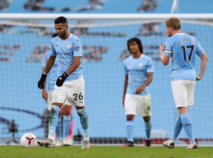 Man City gặp sự cố máy bay trước cuộc đụng độ West Ham - Ảnh 1.