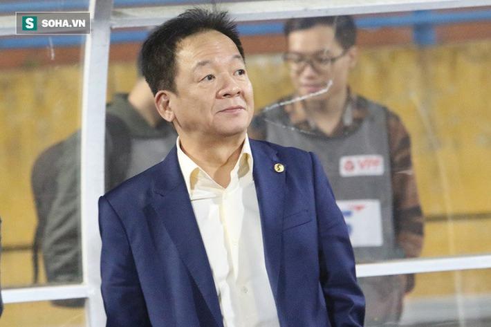 Cầu thủ Hà Nội FC chúc mừng sinh nhật bầu Hiển, nhưng lại thiếu mất món quà ý nghĩa nhất - Ảnh 3.