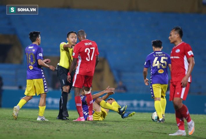 HLV Hà Nội FC: Viettel cắt vụn trận đấu, Bùi Tiến Dũng xứng đáng nhận 2 thẻ vàng rời sân - Ảnh 2.