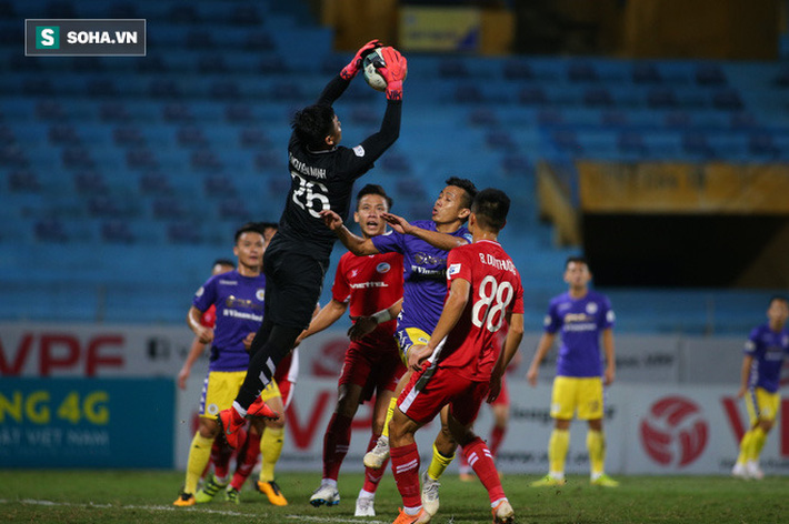 Quan hệ nhạy cảm với Quảng Ninh, Hà Nội FC vẫn sáng cửa vô địch - Ảnh 2.