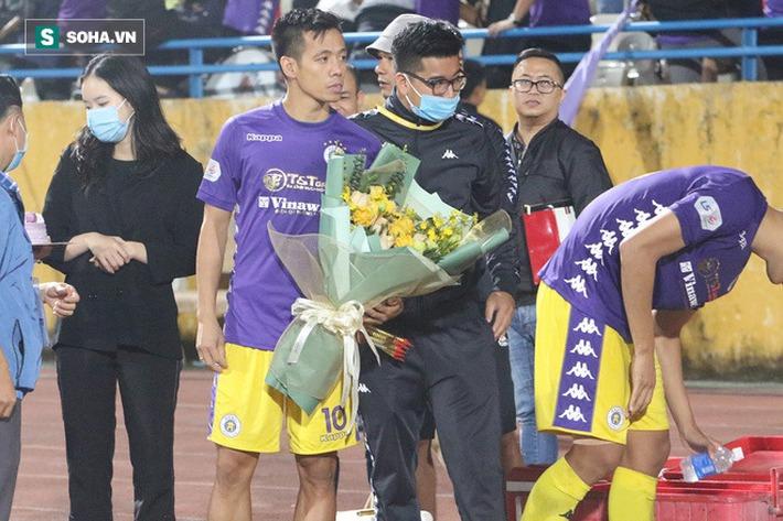 Cầu thủ Hà Nội FC chúc mừng sinh nhật bầu Hiển, nhưng lại thiếu mất món quà ý nghĩa nhất - Ảnh 5.