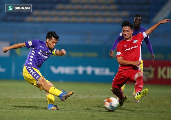 Trọng Hoàng vô duyên, Tấn Trường xuất thần, Viettel vững ngôi đầu, CLB Hà Nội rơi xuống hạng 3 - Ảnh 1.