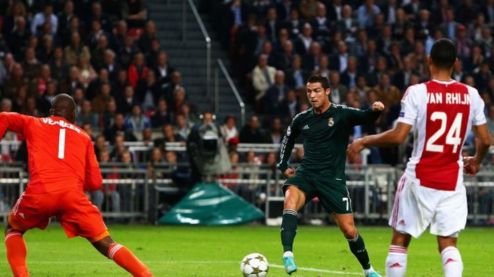 Ngày này năm xưa: Ronaldo lập hat-trick đầu tiên ở Champions League - Ảnh 1.