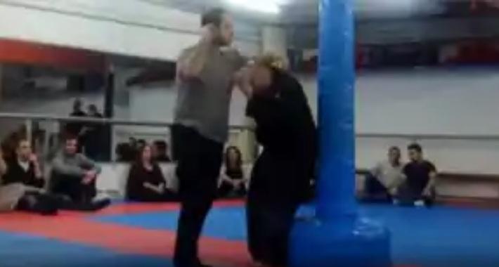 """Tuyên bố dùng """"võ công thần bí"""" để chặn cả đạn bắn, võ sư karate nhận cái kết bẽ bàng - Ảnh 5."""