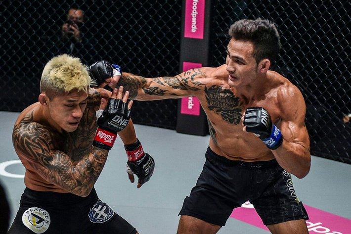 Johnny Trí Nguyễn chỉ ra bí kíp giúp võ sĩ gốc Việt hạ gục Martin Nguyễn, đoạt đai vô địch thế giới - Ảnh 1.