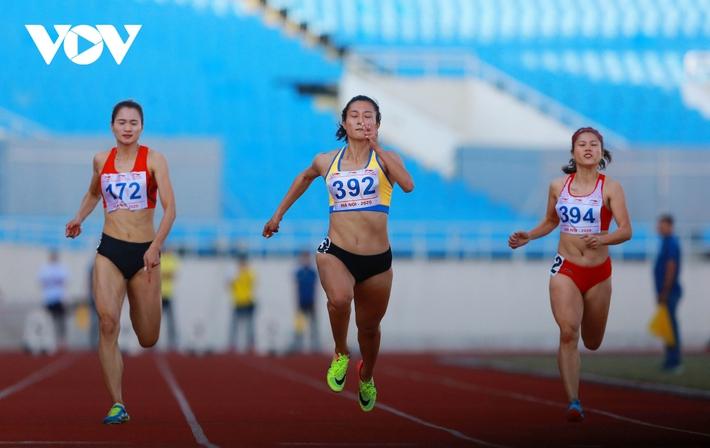 Giải Vô địch Điền kinh Quốc gia 2020: Nguyễn Thị Oanh giành HCV 5000m - Ảnh 4.