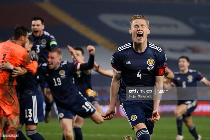 Bất ngờ liên tục ập đến, chính thức xác định 4 đội tuyển cuối cùng giành vé dự Euro 2020 - Ảnh 3.