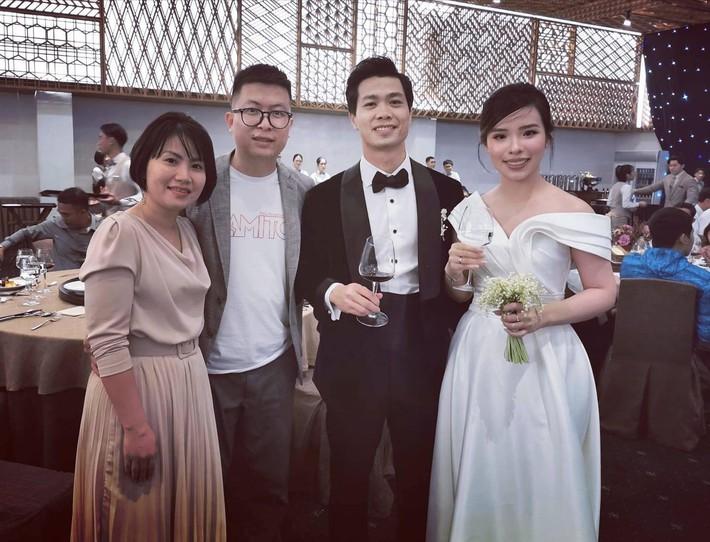 Đám cưới Công Phượng - Viên Minh: HLV Park Hang-seo rạng rỡ ở đám cưới của học trò - Ảnh 5.