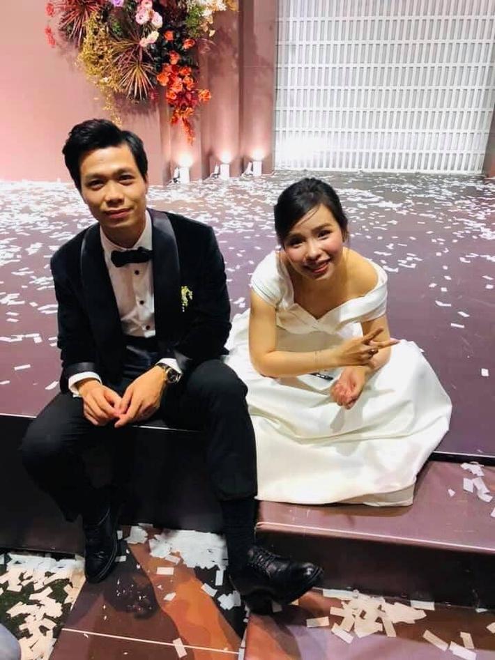 Lộ ảnh Công Phượng hôn Viên Minh, fan nô nức vào thả tim cho một cặp trời sinh - Ảnh 2.