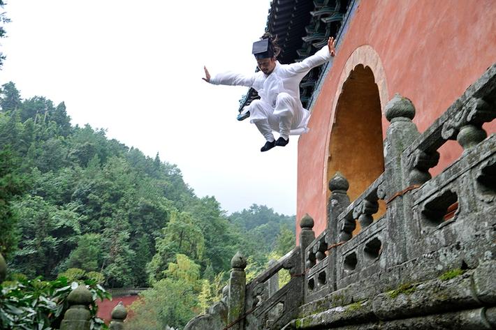 Giai thoại về ẩn sĩ Võ Đang một bước bay lên mái nhà và tuyệt kỹ khinh công bị thất truyền - Ảnh 3.
