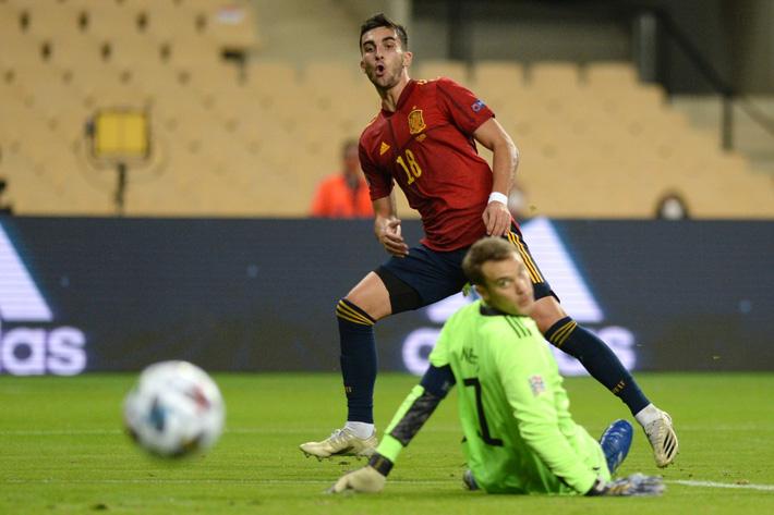 Tây Ban Nha 6-0 Đức: Không thể tin nổi! - Ảnh 1.