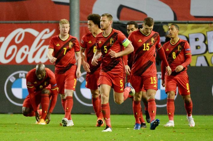 Người nhện Courtois phá lưới nhà, Bỉ vượt Đan Mạch giành vé vàng bán kết Nations League - Ảnh 2.