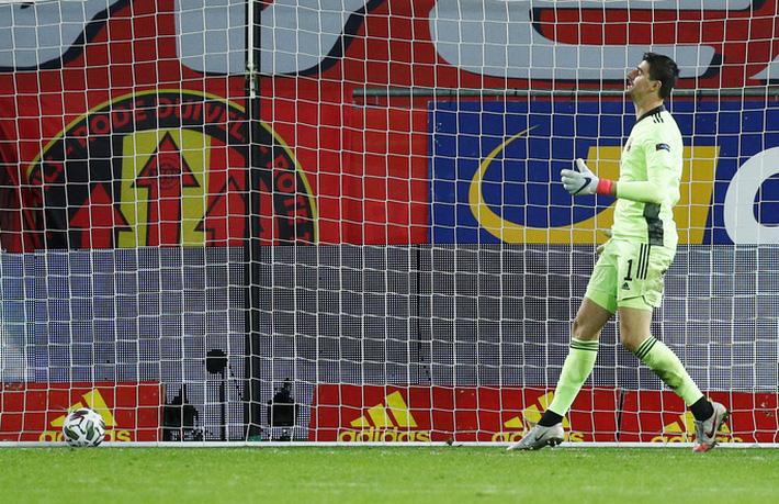 Người nhện Courtois phá lưới nhà, Bỉ vượt Đan Mạch giành vé vàng bán kết Nations League - Ảnh 5.