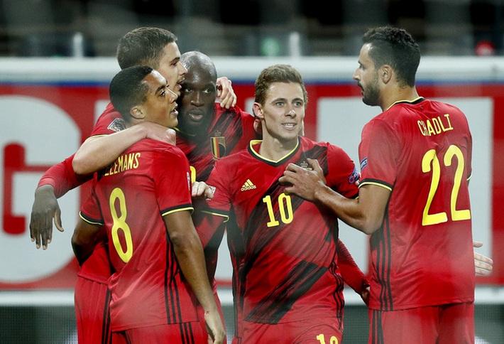 Người nhện Courtois phá lưới nhà, Bỉ vượt Đan Mạch giành vé vàng bán kết Nations League - Ảnh 7.
