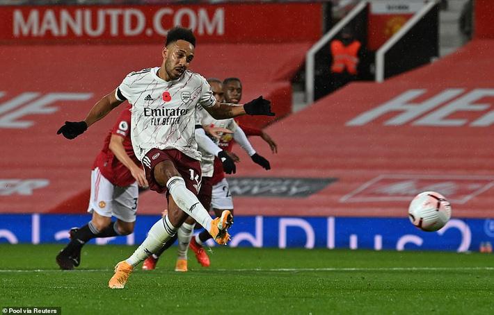 Pogba sắm vai tội đồ, Man United thất thủ đau đớn trên sân nhà trước Arsenal - Ảnh 4.