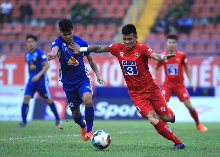 Vì sao nhà vô địch V.League 2017 - CLB Quảng Nam, từ đỉnh chạm đáy? - Ảnh 1.