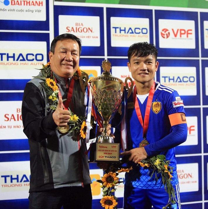 Vì sao nhà vô địch V.League 2017 - CLB Quảng Nam, từ đỉnh chạm đáy? - Ảnh 2.