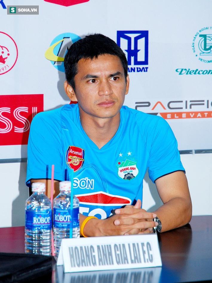 CĐV Thái Lan: Nhìn HAGL trả lương khủng cho Kiatisuk mà thấy tự hào cho bóng đá Thái - Ảnh 1.