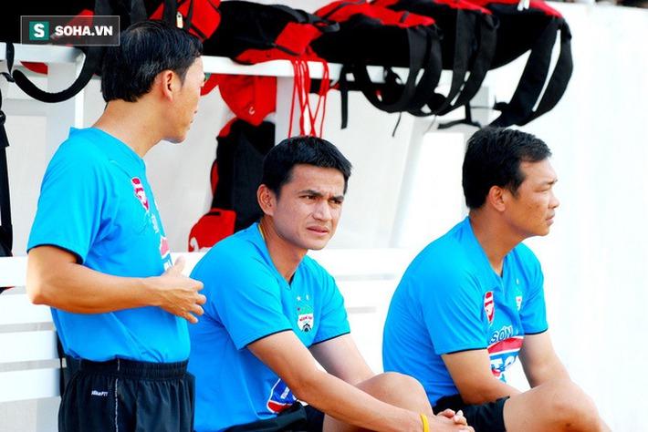 CĐV Thái Lan: Nhìn HAGL trả lương khủng cho Kiatisuk mà thấy tự hào cho bóng đá Thái - Ảnh 2.