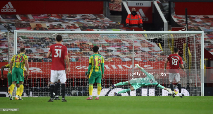 Man United thắng chật vật nhờ penalty; Mourinho hạ gục Pep bằng đòn hiểm - Ảnh 1.