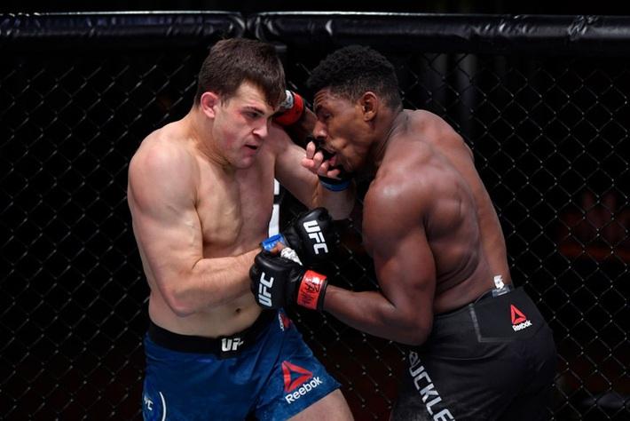 Hiện tượng Joaquin Buckley có thêm chiến thắng ấn tượng tại UFC, nhận được khoảng thưởng nóng 50 nghìn USD - Ảnh 2.