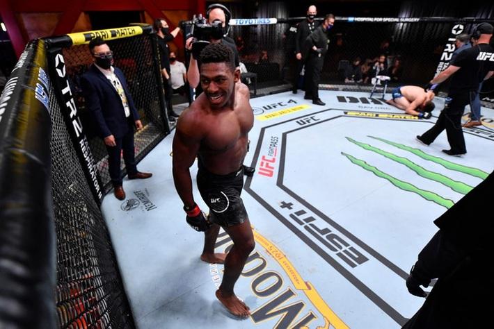 Hiện tượng Joaquin Buckley có thêm chiến thắng ấn tượng tại UFC, nhận được khoảng thưởng nóng 50 nghìn USD - Ảnh 3.