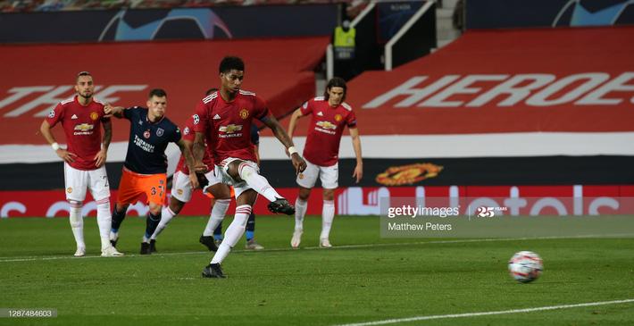 Phủ đầu như sấm vang chớp giật, Man United nhấn chìm đối thủ trong mưa bàn thắng - Ảnh 2.