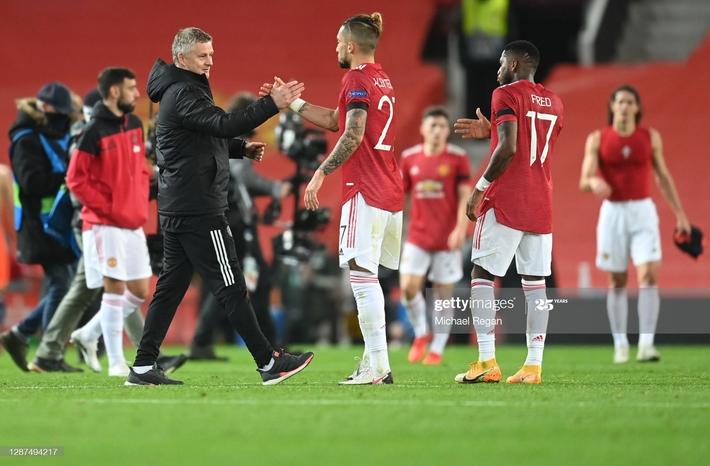 Phủ đầu như sấm vang chớp giật, Man United nhấn chìm đối thủ trong mưa bàn thắng - Ảnh 3.